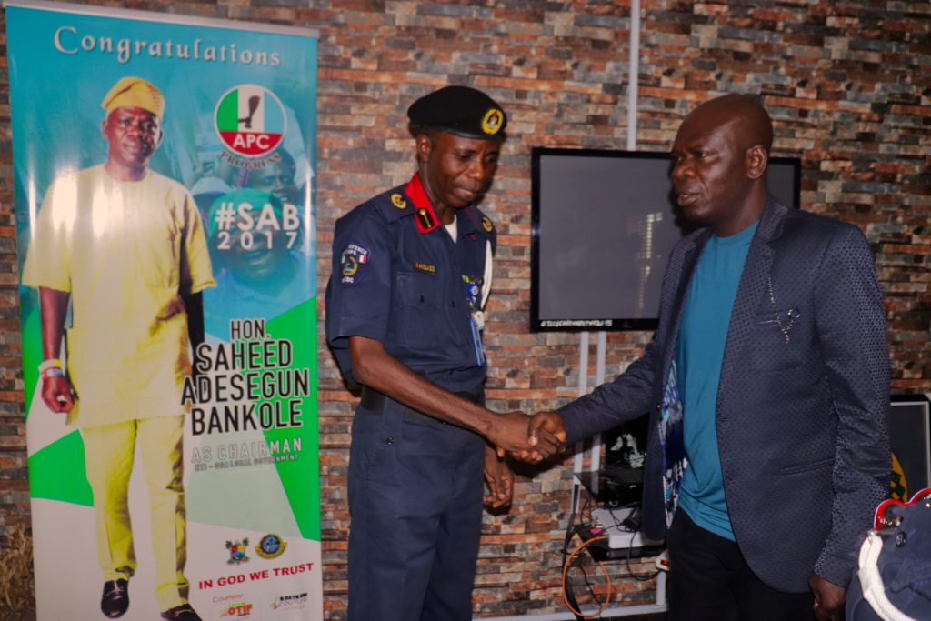 COUNCIL BOSS RECEIVES NEW CIVIL DEFENCE AREA COMMANDER(Area F) IN HIS OFFICE.